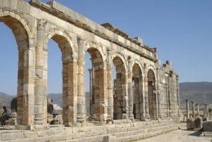 Rzymskie ruiny Volubilis w Maroku